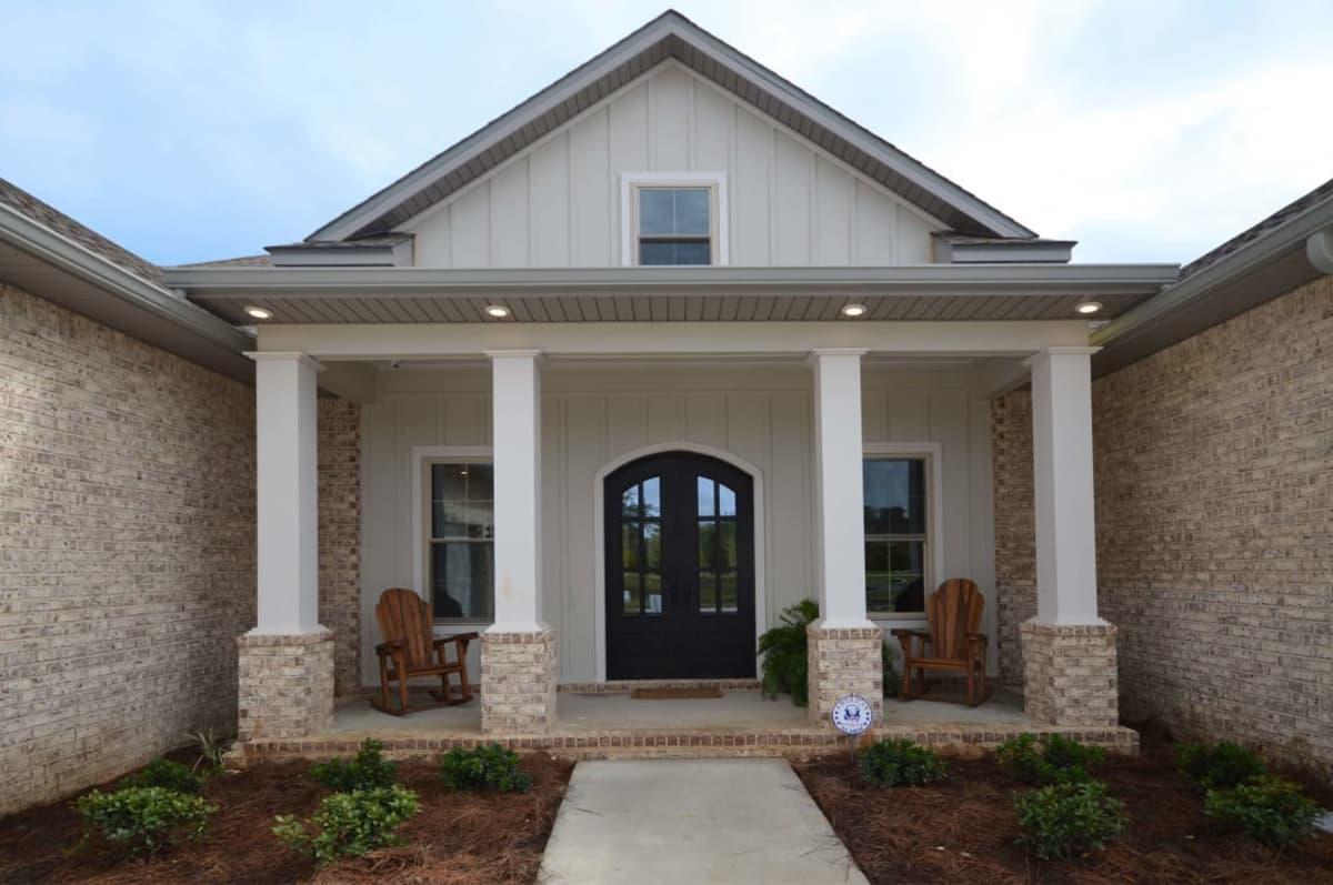 front-porch-w2256-w1128-w1200.jpg