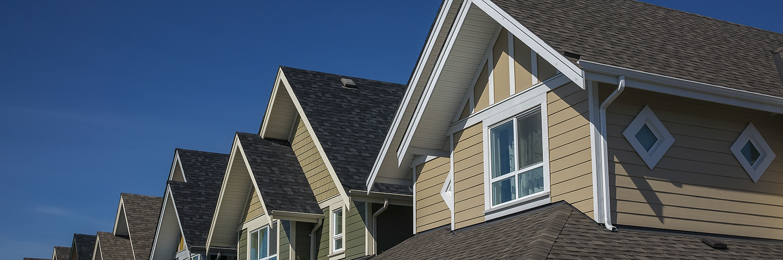 Townhome-Roofline-Generic-(1-of-1).jpg