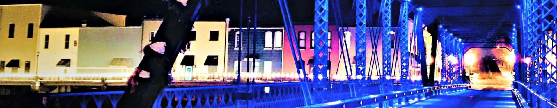 Portland MI Michigan Downtown.veterans memorial bridge.lights