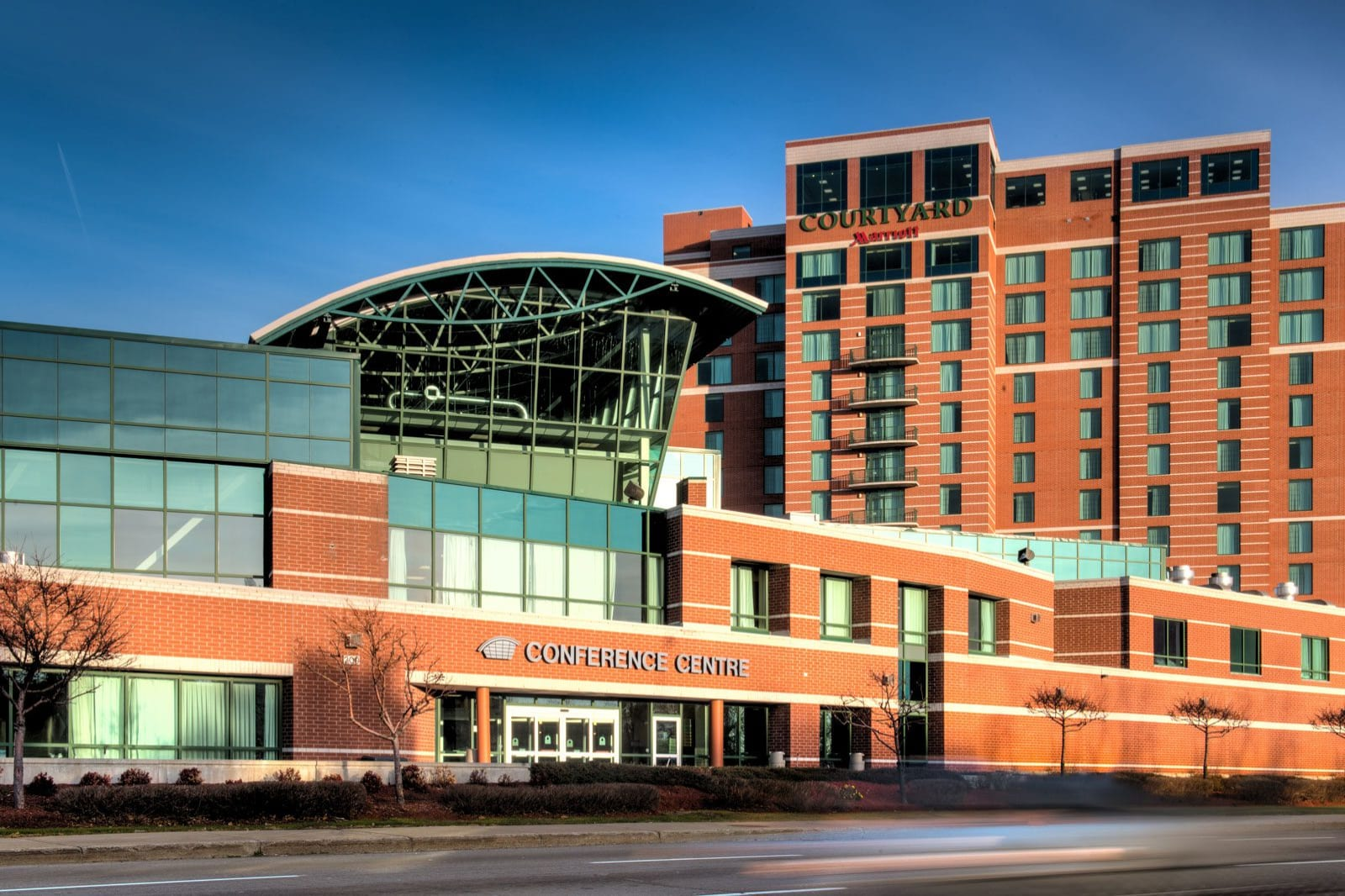 004-Ottawa-Conference-and-Event-Centre-and-Hotels-Exterior1-1600x1068-w1600.jpg