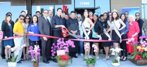 Mo Mo Paradise Grand Opening & Ribbon Cutting